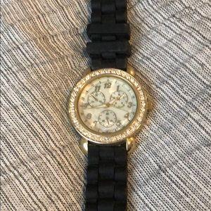 Black/Gold Fashion Watch!